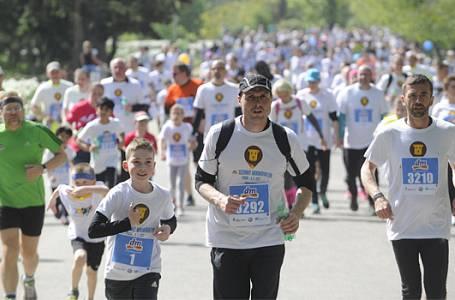 Maratonský víkend rozběhá Prahu