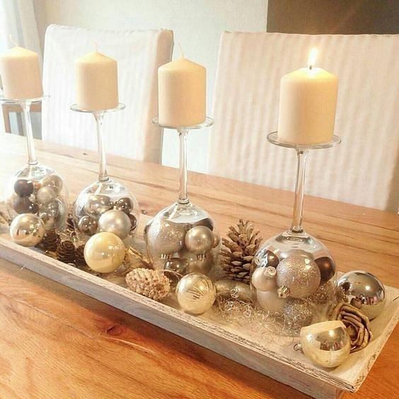 Skleničky, které se dají využít i jako svícny. Navíc do skleniček můžete dát další dekorace. Originální a elegantní.
