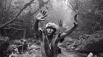 Příslušník kmene praktikujícího kanibalismus
