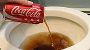 Neuvěřitelné triky s Coca Colou: Na co všechno ji v domácnosti použijete? Tomu neuvěříte!