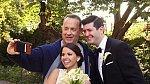 Tom Hanks se rád prochází newyorským parkem. A když už jde kolem, proč se s ním během svatby nevyfotit?