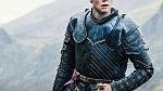 Gwendoline Christie (Brienne of Tarth), přítel návrhář Giles Deacon - Ač se to podle toho, jak skvěle svou roli nežensky působící Brienne ztvárnila, nezdá, tak Gwendoline o sobě prohlašuje, že je feministka.