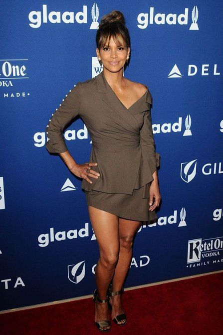 Halle Berry (51)