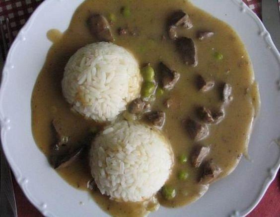 Játra s rýží nepatřila ve školní jídelně k oblíbeným obědům.