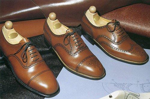 Tak jako to dodržuje princ Charles v Británii. Tyto boty je možné rozdělit  do tři kategorií – hladké 67a9092b01