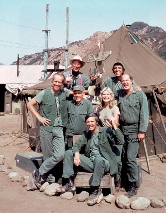 Herci z kultovního seriálu M.A.S.H. - obměněná sestava