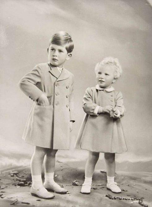 Princ Charles se svou sestrou