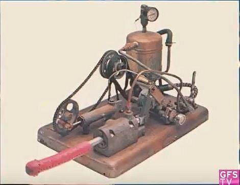 První ruční mechanický vibrátor z roku 1869
