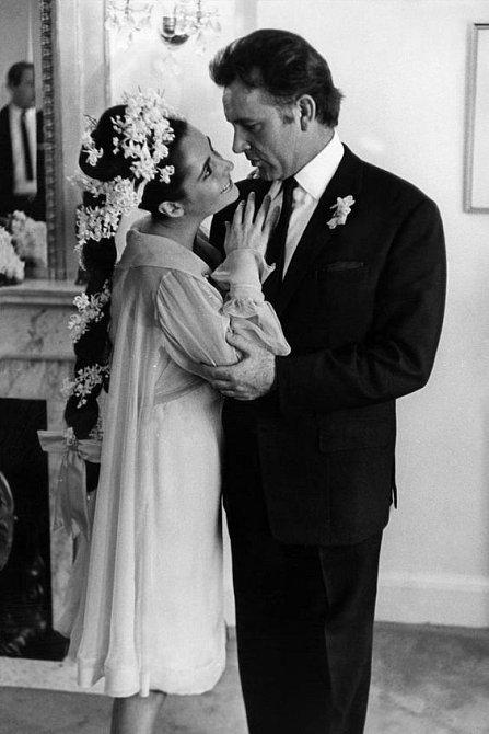 Svatba se Elizabeth neomrzela, vdávala se osmkrát.