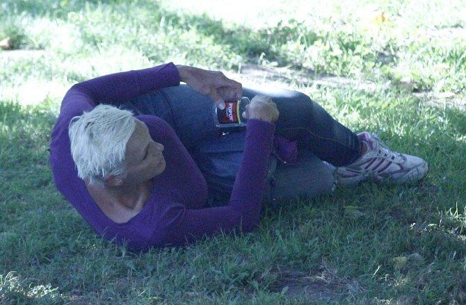 Brigitte má za sebou i velmi temná období. Před šesti lety byla fotografy načapaná namol opilá.