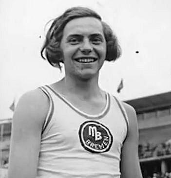 Dora Ratjen závodila na olympijských hrách, které proběhly v roce 1936 v Berlíně. Skončila čtvrtá ve skoku vysokém, na následujícím mistrovství Evropy získala zlato a překonala světový rekord. Brzy ale vyšlo najevo, že Dora není ?...