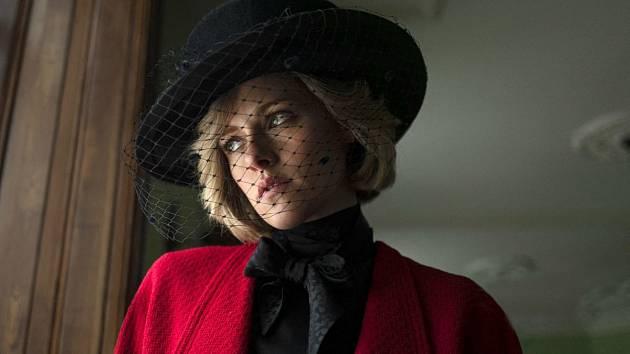 Kristen Stewart je ve filmu princezně Dianě velmi podobná.