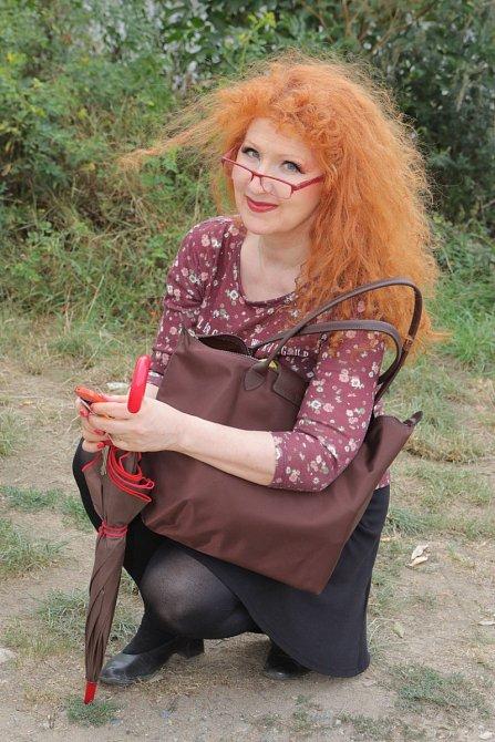 Jaroslava Kretschmerová se stále pyšní dlouhými a rezavými vlasy.