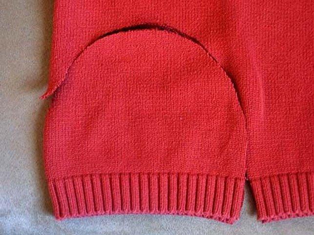 Ze svetru se dá vystřihnout i čepice.