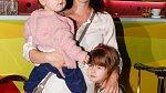 Kristýna Badinková Nováková na archivním snímku s dcerami