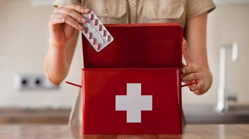 Letní dovolená: Vybavte si lékárničku!