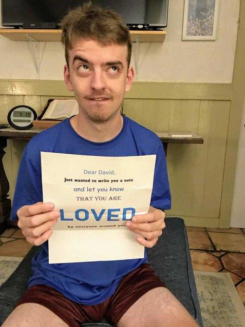 David trpí silnou formou autismu.