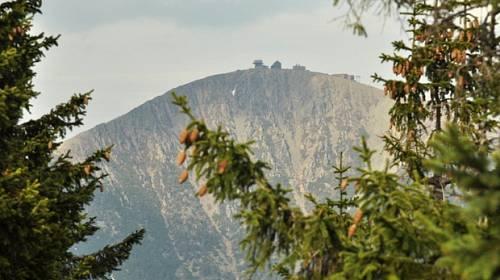 Česko křížem krážem: Krkonošský Harrachov s Jizerkami nadohled