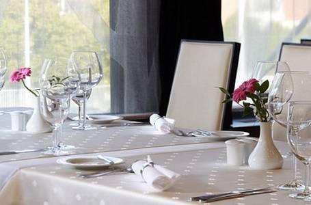 Kvalita hotelových restaurací v Česku roste. Kam se vyplatí zajet se dobře najíst?