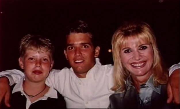 Ivana se svými syny Donaldem juniorem a Erikem.