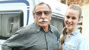 Vnučka Amálie si natáčení s dědečkem užívala.