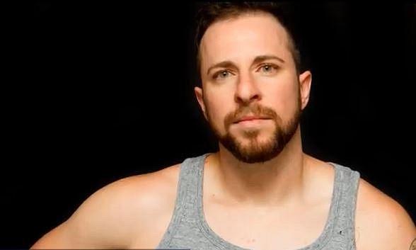 Ryan Sallans - Ryan se narodil jako Kimberly. Coby žena nebyl největší krasavice, dnes je z něj pohledný a charismatický muž. Je známý coby mluvčí transgender komunity. Snaží se o celosvětovou osvětu, rád by, aby lidé ztratili předsu...