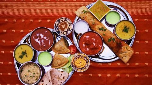 <p>Indické pokrmy jsou pestré</p>