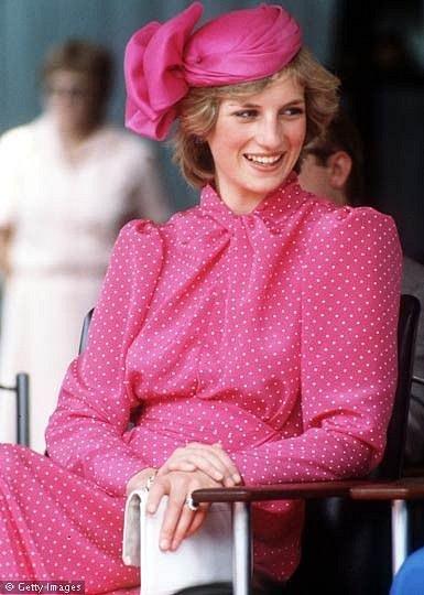 Růžová barva patřila mezi Dianiny oblíbené.
