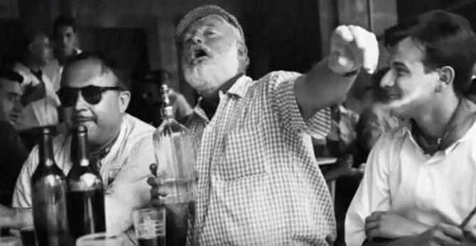 Ernest Hemingway v Havana baru