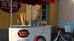 V Itálii jsou stále velmi oblíbené pojízdné stánky se zmrzlinou.