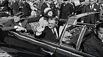 John F. Kennedy - zemřel 22. listopadu 1973. Byl, jak známo, zastřelen ve svém prezidentském voze.