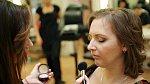 Pro lucku volí make-up v podzimních barevných tónech
