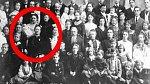 Nejvíce dětí - 69! Valentina Vassilyeva (1725-1765), je držitelkou světového rekordu v počtu porozených dětí. Dala život celkem 69 dětem, z nichž bylo 16 dvojčat, 7 trojčat a 4 čtyřčata. 67 z 69 dětí své dětství přežilo.