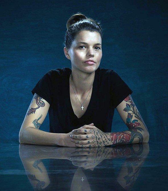 Mark měl štěstí, že má tato žena dobré srdce. Odstranění tetování je totiž velmi nákladné!