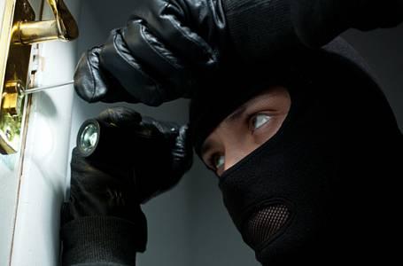 Prozradíme vám nejúspěšnější triky zlodějů, ať se můžete chránit!