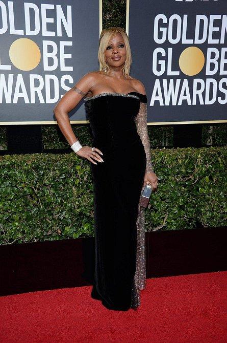 Mary J. Blige, tahle nestárnoucí raperka vypadá stále skvěle.