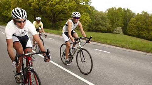 Kvalitní cyklistické kalhoty by měly patřit k základní výbavě.