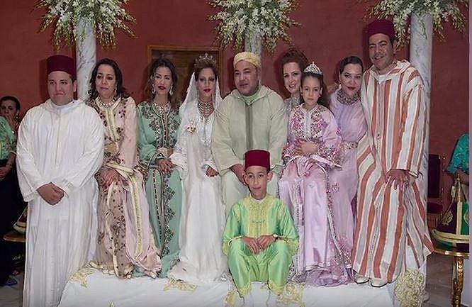 Moulay Hassan je synem marockého krále Mohammeda a jednou podle všeho zdědí pohádkové jmění. Nicméně nebývalého luxusu si užívá už teď coby teeneager.