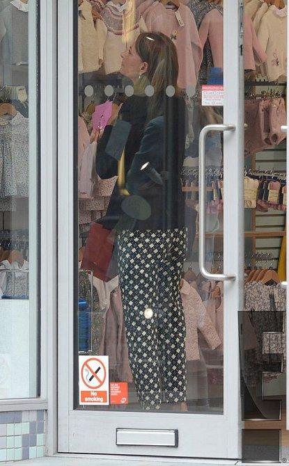 Carole Middleton pro svá vnoučata ráda nakupuje.