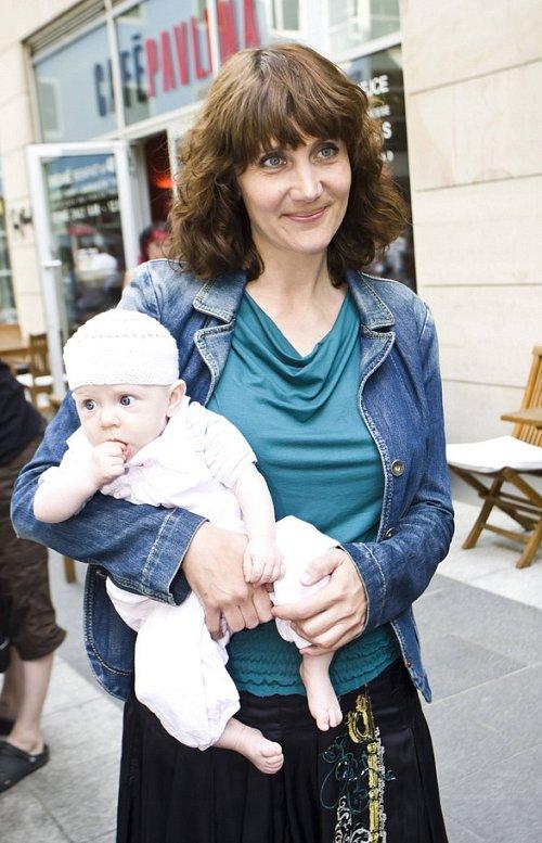 Ester Janečková s dcerou