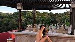 Kourtney Kardashian si umí užívat života