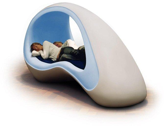 Toto je nový typ spací mušle - futuristická postel vhodná pro krátkodobý spánek.