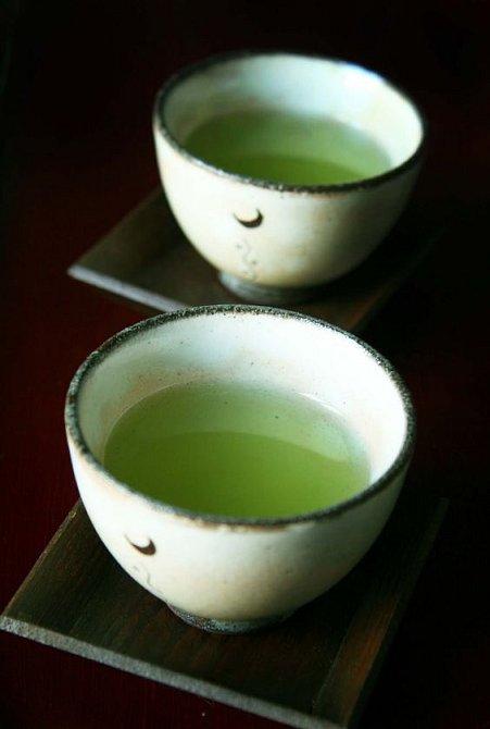 Zelený čaj působí blahodárě na kosti.
