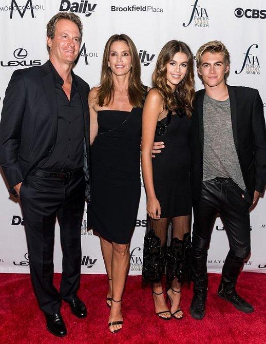 Cindy Crawford s rodinou