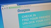 Pokud jste někde v restauraci a nevidíte nikde heslo na wi-fi, projeďte komentáře na foursquare, tripadvisoru, yelp a dalších aplikacích.