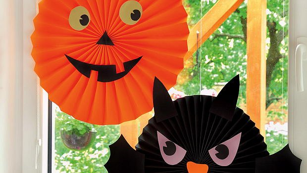 Vyčarujte s dětmi Halloween z papíru