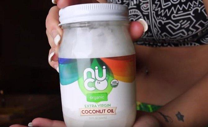 Kokosový olej si pořiďte nejlépe v bio kvalitě, bez přidané chemie a dalších zbytečností.