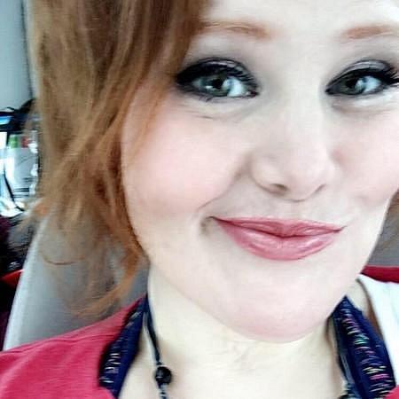 Dnes je z Nikkie krásná žena!