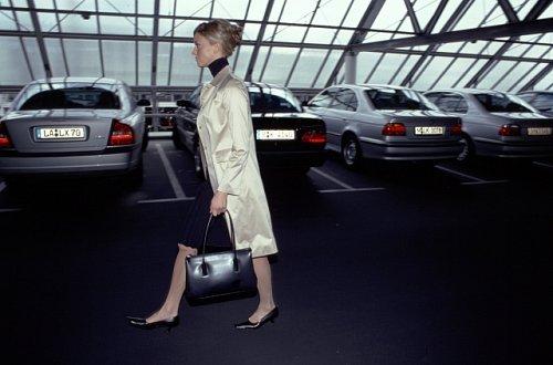 Jak si správně vybrat auto jako žena (1. díl) – Pozor na partnera