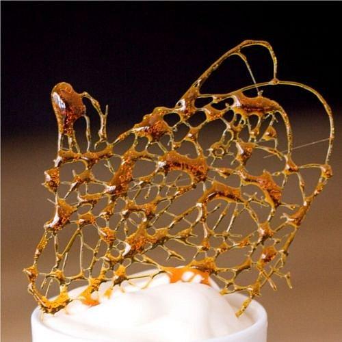 Karamelová pavučinka